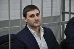 Одного из участников дебоша в центре Николаева доставили в райотдел за избиение жены на глазах у ребенка | Корабелов.ИНФО