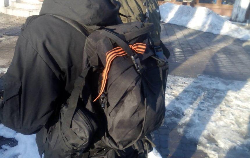 Photo of В Николаеве бойцы АТО задержали парня с георгиевской ленточкой, у него также обнаружили нож и балаклаву (Видео)