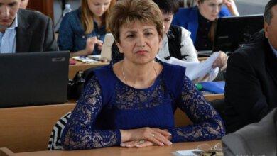 «Оцениваю её работу, как хорошую», - Сенкевич о скандально известной начальнице гороно Деркач   Корабелов.ИНФО