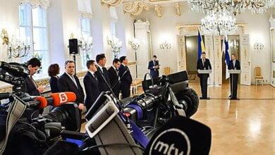 «Перестаньте убивать украинцев», - Порошенко отказался общаться с российскими журналистами   Корабелов.ИНФО
