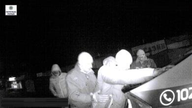 В Корабельному районі патрульні затримали підозрюваного в пограбуванні, коли той пив пиво на пр.Богоявленському | Корабелов.ИНФО