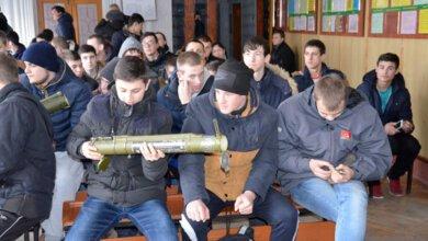 Николаевская полиция пришла к лицеистам в Корабельном районе с макетами гранат, мин, гранатометов и  шашек   Корабелов.ИНФО image 1