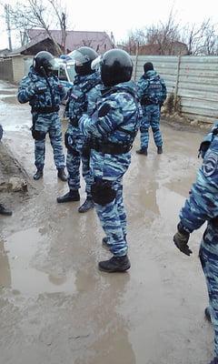 В Крыму оккупанты проводят обыски у крымских татар, 20 человек задержаны