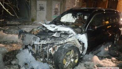 В центре Николаева подожгли люксовый «Мерседес» известного чеченского бизнесмена | Корабелов.ИНФО