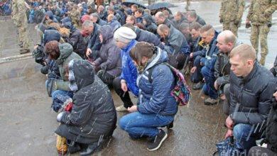 «Мы им гордились»: в Николаеве на коленях простились с погибшим Героем-десантником (ВИДЕО) | Корабелов.ИНФО