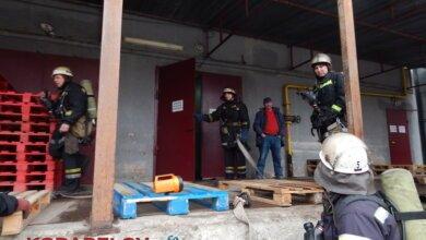 """Спасатели из ГПСЧ Корабельного района отработали учения по тушению пожара в супермаркете """"Фуршет""""   Корабелов.ИНФО image 1"""