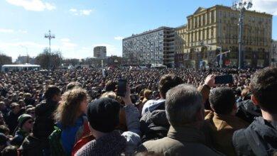 Протесты в России: на улицы вышли до 70 тысяч человек по всей стране | Корабелов.ИНФО image 3