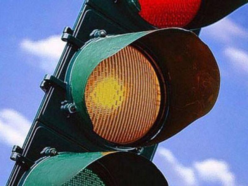 Photo of Ночью в Николаеве светофоры будут работать в режиме мигания желтого сигнала