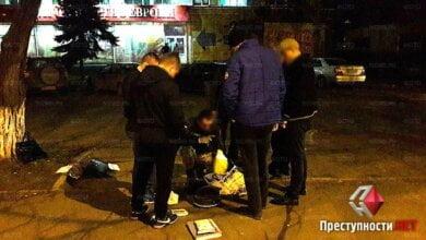 Оперативники СБУ посреди улицы в Николаеве задержали на взятке чиновника фискальной службы | Корабелов.ИНФО