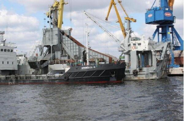 В николаевском порту «Ольвия» возобновились дноуглубительные работы | Корабелов.ИНФО