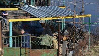 Ночью во двор жилого дома в Николаеве бросили две боевые гранаты, одна из них взорвалась | Корабелов.ИНФО image 1