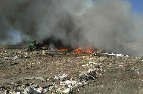 У Вітовському районі горить незаконне сміттєзвалище | Корабелов.ИНФО image 2