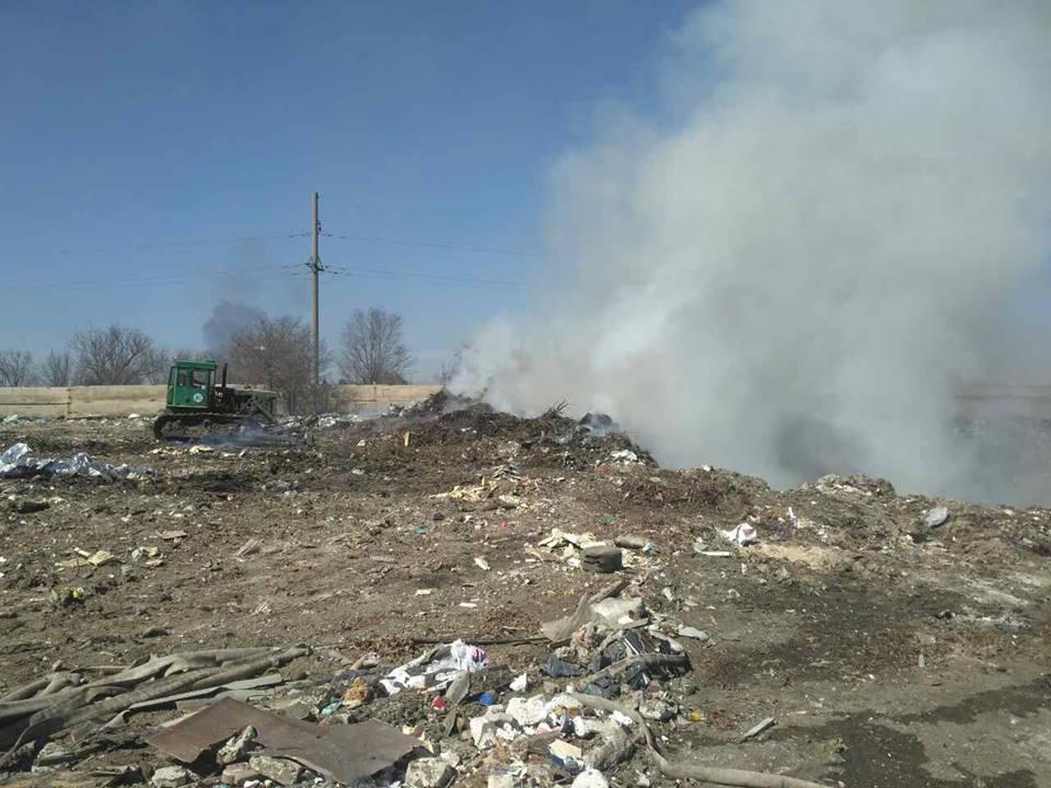 У Вітовському районі горить незаконне сміттєзвалище | Корабелов.ИНФО image 1