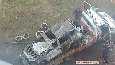 В Николаеве сожгли очередной автомобиль: на Намыве сгорела «Toyota RAV4» | Корабелов.ИНФО