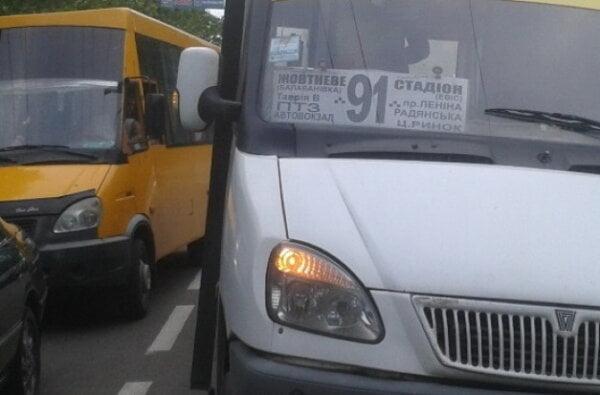 Пассажир: Сколько должно погибнуть людей в маршрутках, чтобы полиция и власть обратили внимание на этот беспредел?   Корабелов.ИНФО