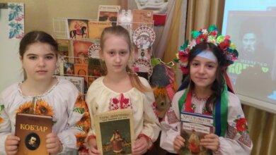 У бібліотеці для дітей в Корабельному районі відбулося літературно-мистецьке свято «Уклін та шана Кобзарю» | Корабелов.ИНФО image 1