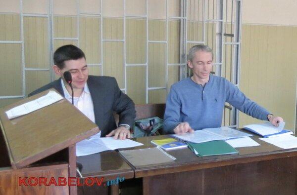 """Учитель, нападавший во время выборов на журналиста, просил суд допрашивать свидетелей """"в закрытом режиме""""   Корабелов.ИНФО"""
