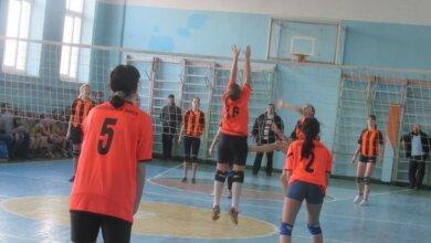 Сборная команда девушек из Корабельного без единого поражения прошла Областные Игры по волейболу, став их победителем | Корабелов.ИНФО image 4