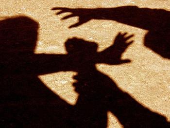 Поліція Корабельного району шукає свідків двох пограбувань чоловіків