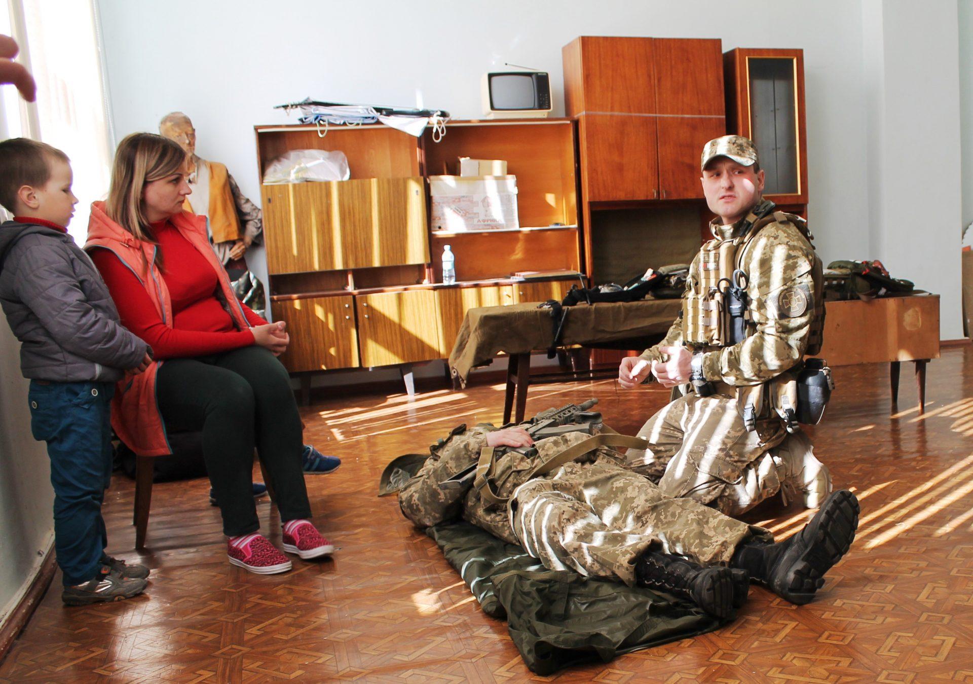 Першу медичну та першу психологічну допомогу воїнам АТО вчили надавати у Корабельному районі   Корабелов.ИНФО image 4