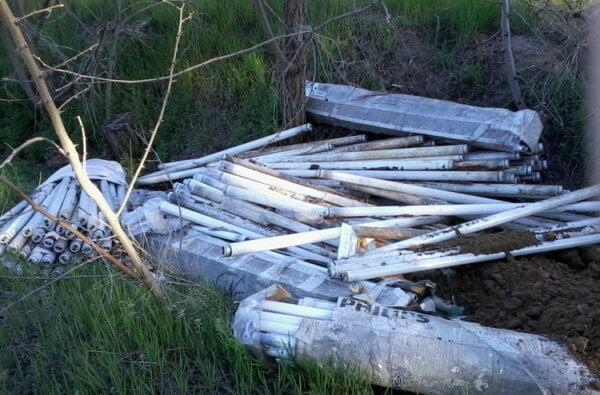 """""""Коль люди - свиньи""""... В Балабановском лесу неизвестные устроили свалку из ртутных ламп   Корабелов.ИНФО image 2"""