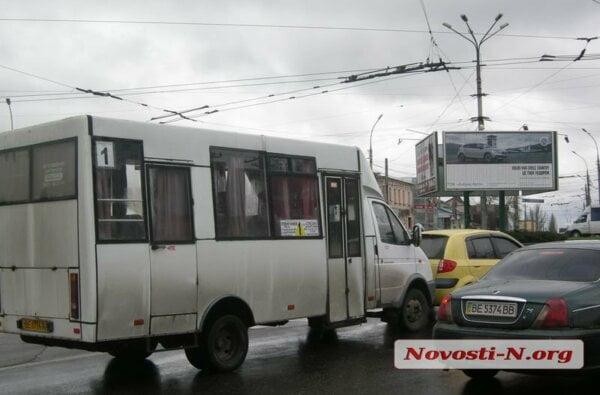Микроавтобус «Рута» маршрута №1 попал в ДТП | Корабелов.ИНФО