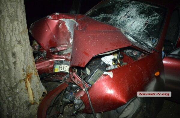В Николаеве «Ланос» столкнулся с другим «Ланосом» и врезался в дерево — водитель погиб   Корабелов.ИНФО image 1