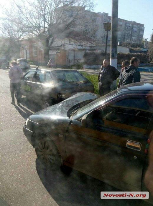 Возле головы Черномора в Корабельном районе столкнулись два «ВАЗа», один из которых - учебный | Корабелов.ИНФО image 4