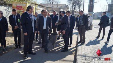 Мэр-экскурсовод: Сенкевич покатал чиновников по проблемным местам города   Корабелов.ИНФО image 5