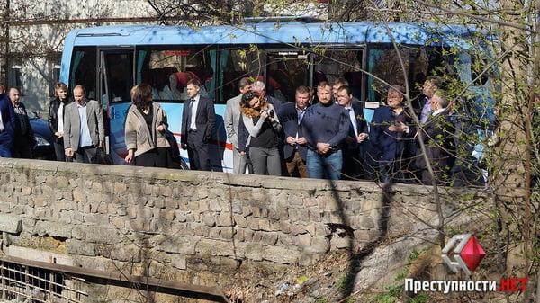 Мэр-экскурсовод: Сенкевич покатал чиновников по проблемным местам города   Корабелов.ИНФО image 7