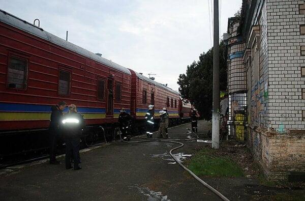 В Кульбакино пожарный поезд потушил горящее здание   Корабелов.ИНФО image 1