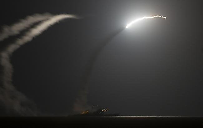 Photo of После химических атак США нанесли ответный ракетный удар по правительственной военной базе Сирии