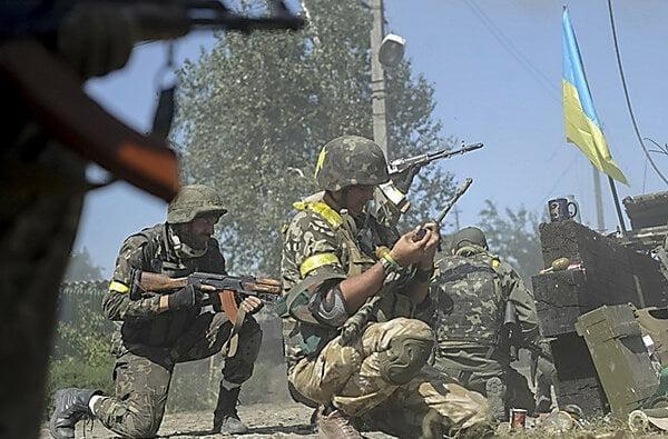 Боевики увеличили интенсивность обстрелов – двое бойцов АТО погибли, пятеро получили ранения | Корабелов.ИНФО