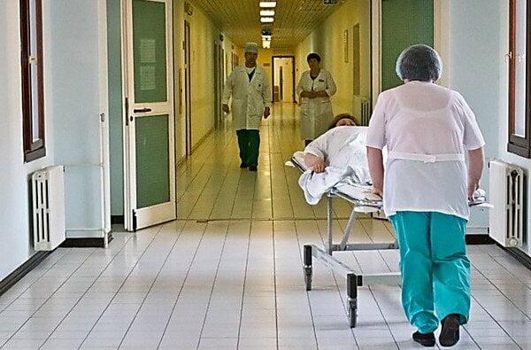 В Запорожье охранник больницы убил пациента, который пытался уйти домой   Корабелов.ИНФО