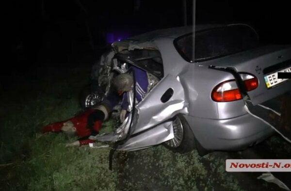 Три человека погибли в столкновении зерновоза с «Ланосом» под Николаевом | Корабелов.ИНФО image 1