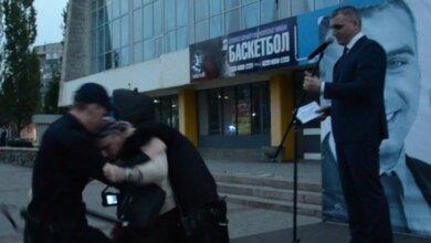 «Мразь! Вредитель! Предатель!» - бывший сторонник Александра Сенкевича напал на мэра Николаева | Корабелов.ИНФО