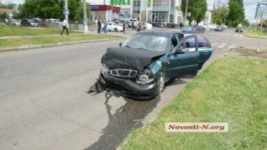 В Николаеве столкнулись два такси с пассажирами — пострадали оба водителя | Корабелов.ИНФО image 1