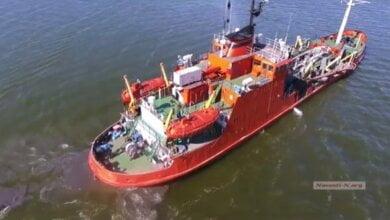 Photo of Как в Корабельном районе вонючую жижу сбрасывают напротив яхт-клуба и пляжа «Чайка» (ВИДЕО)