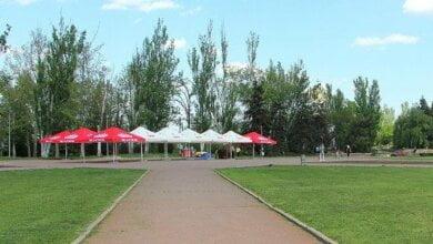На главной площади Николаева, на месте снесенного памятника Ленину, устанавливают пивную палатку | Корабелов.ИНФО