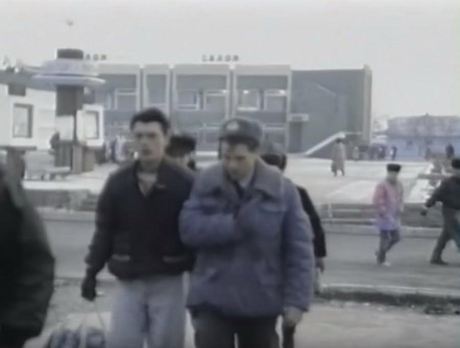 Photo of «То ж не жизнь»… 26 лет назад жители Корабельного района жаловались на цены, но верили правительству (ВИДЕО)