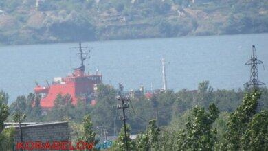 Photo of Свалка грунта в акваторию пляжа в Корабельном районе продолжается
