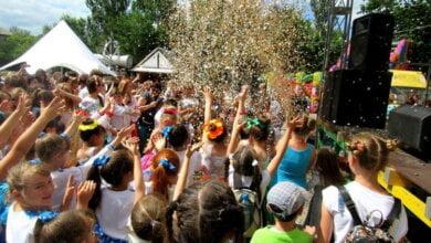 Photo of Сполохи фейєрверку, атмосфера свята та безліч подарунків: фестиваль «Art-mix-2017» у Миколаєві обрав своїх переможців