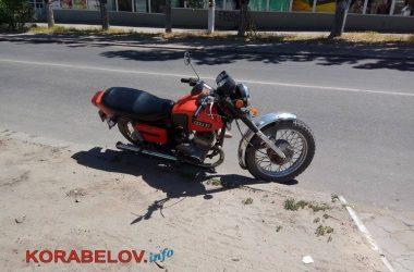 """ДТП в Корабельном: сбитого мотоциклистом ребенка увезла """"скорая""""   Корабелов.ИНФО image 3"""