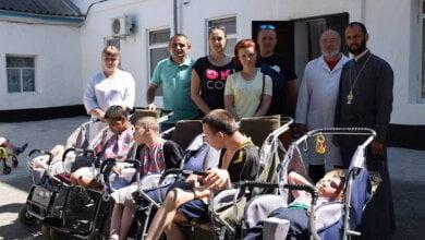 Молодёжная организация ГП СК «Ольвия» вновь с подарками навестила воспитанников детского дома | Корабелов.ИНФО image 2