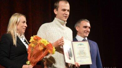 «Звал Путина, а получил стипендию»: в Николаеве разразился скандал из-за стипендиата мэрии | Корабелов.ИНФО