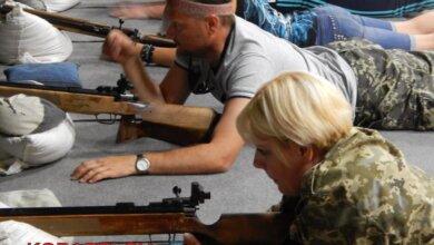 Photo of Запах пороха, море эмоций, борьба за кубок: портовики «Ольвии» стреляли из мелкокалиберной винтовки (ВИДЕО)