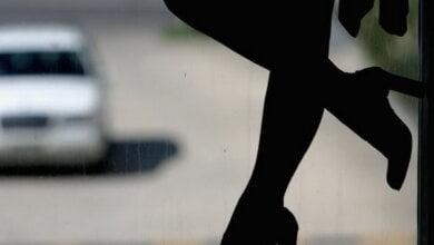 Photo of Врятували жінок: у Миколаєві припинили діяльність міжнародного каналу постачання «живого товару»