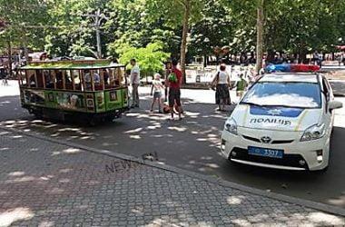 В Николаеве полицейские изъяли детский электротрамвай и девять машинок, которые катали детей   Корабелов.ИНФО