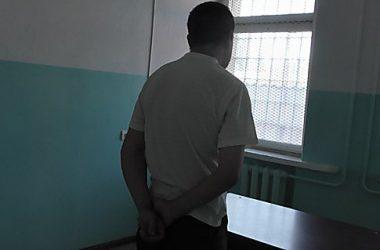Суд арестовал николаевца, который изнасиловал в подъезде несовершеннолетнюю девушку (ВИДЕО)   Корабелов.ИНФО