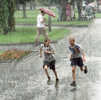 Завтра в Николаеве вновь ожидаются дожди и грозы, а температура воздуха - до +32˚ | Корабелов.ИНФО